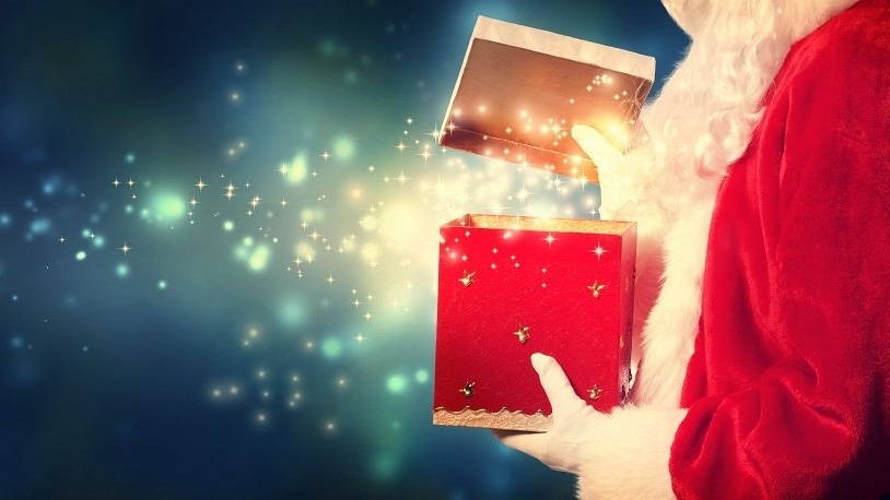 WEB Santa Claus with present-819631-edited