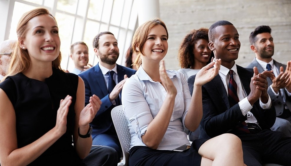 WEB - Audience clapping-884057-edited
