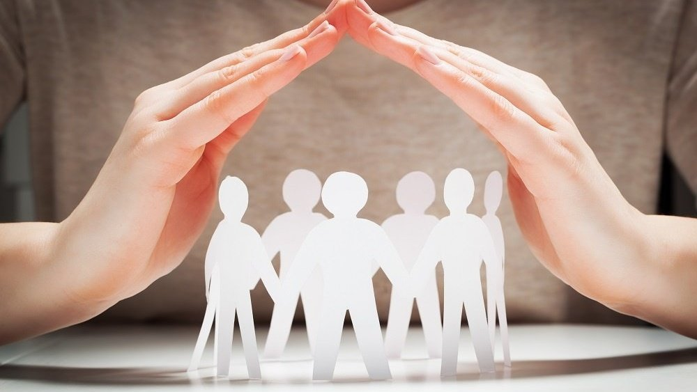 WEB Paper people under hands-494585-edited