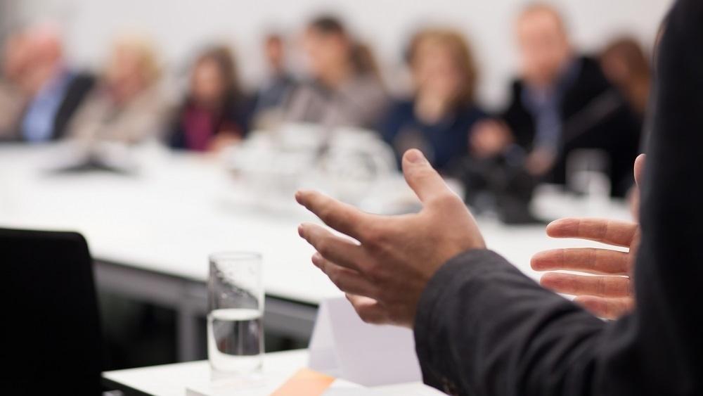 WEB Presenting in meeting-501099-edited