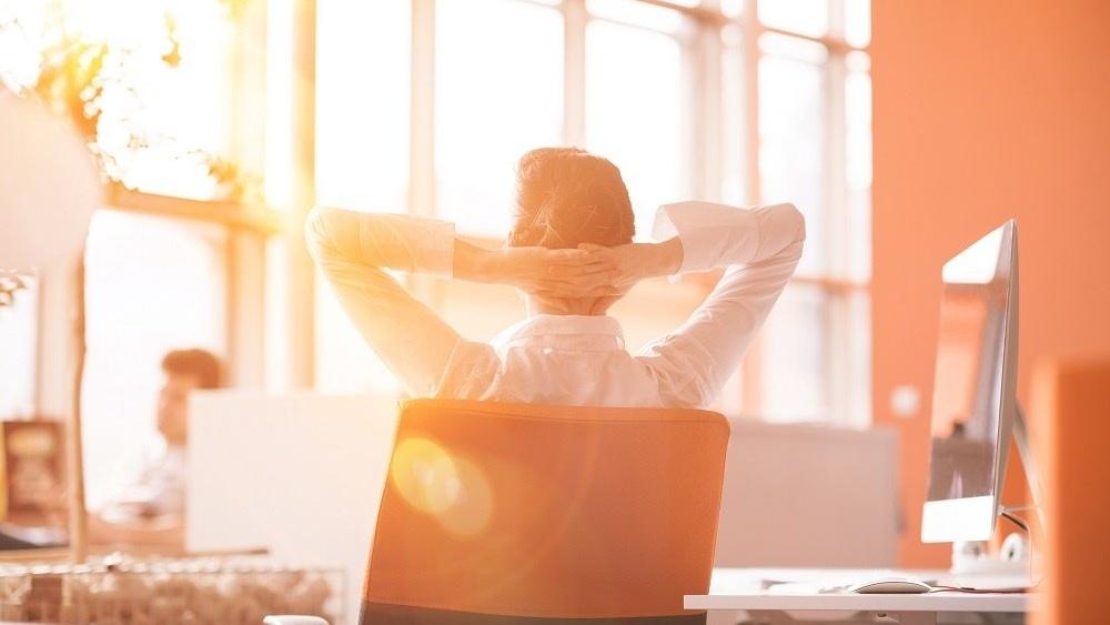WEB Woman relaxing desk-687980-edited