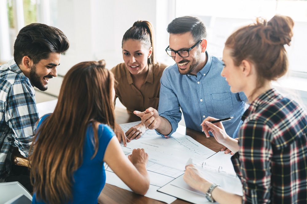 WEB - Positive team meeting
