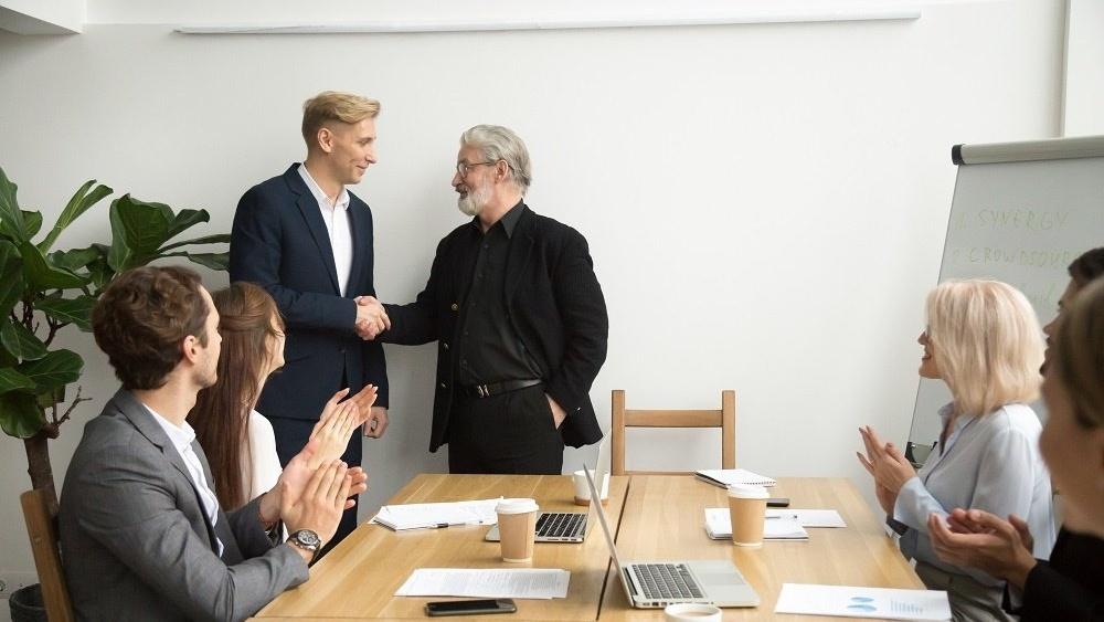WEB - congratulating employee-370029-edited