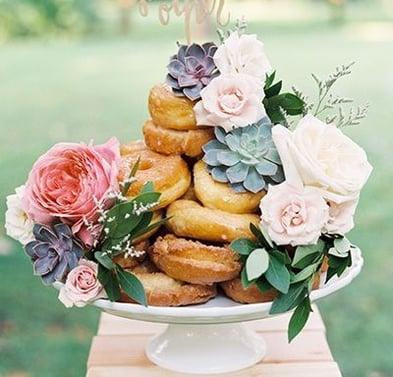 Pinterest - Cake Centrepiece
