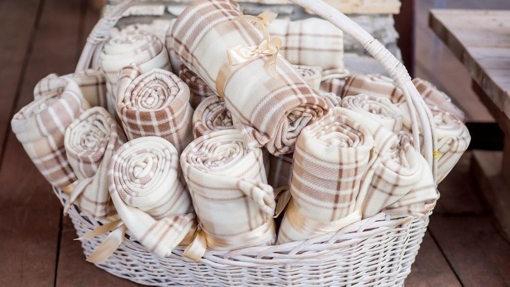 WEB Wedding blankets-387408-edited