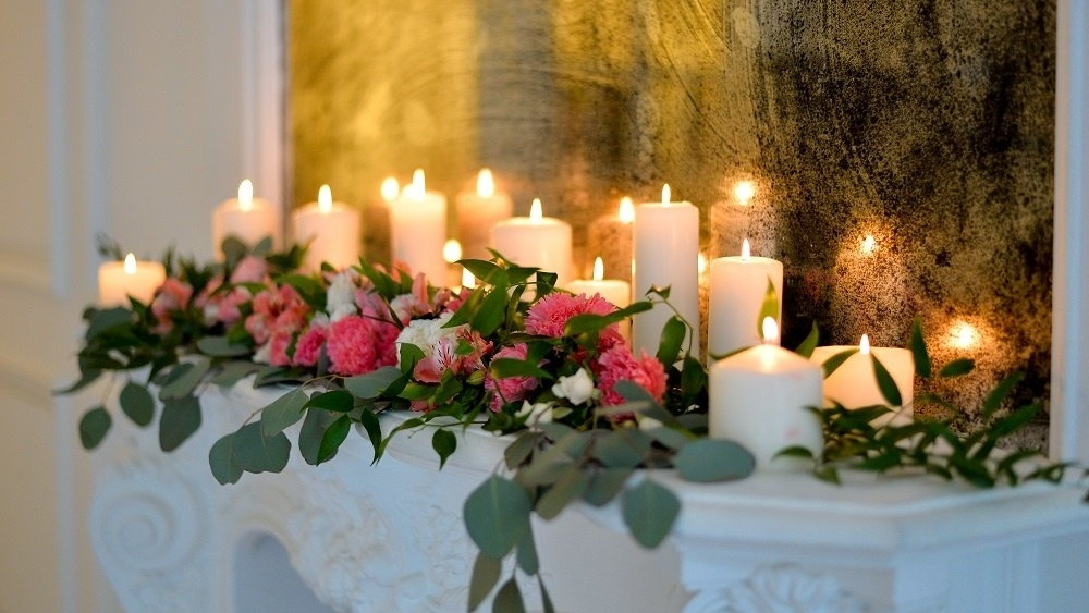 WEB Wedding candles fireplace-510874-edited