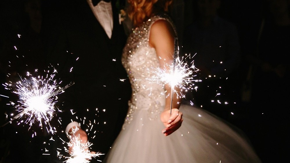 WEB Wedding sparklers-445458-edited