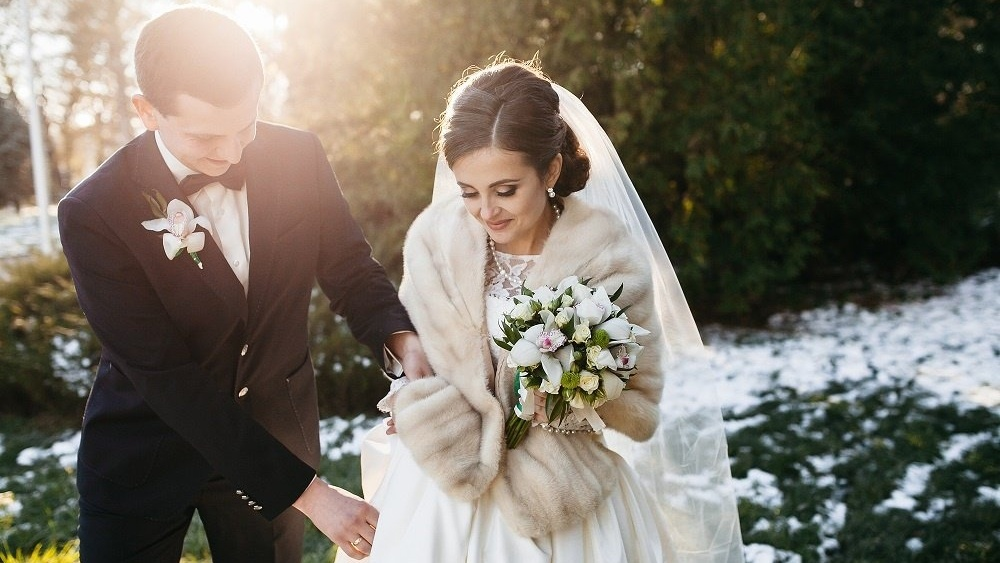 WEB Winter bride and groom-607386-edited