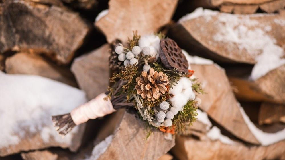 WEB Winter wedding bouquet-858018-edited