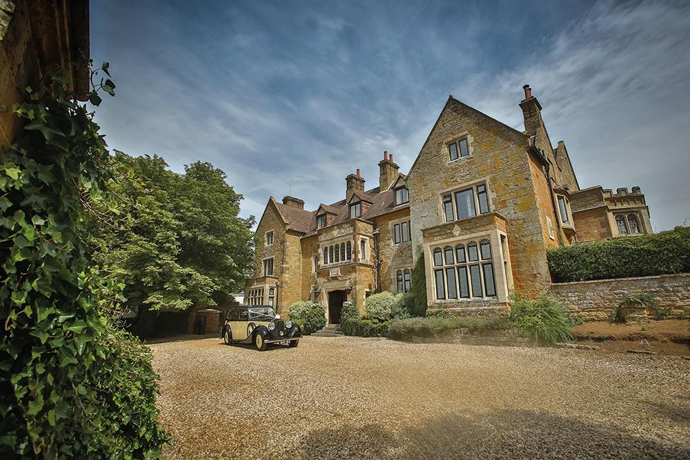 WEB - Highgate House Wedding - External Car ##Photographer - Lee Glasgow##.jpg