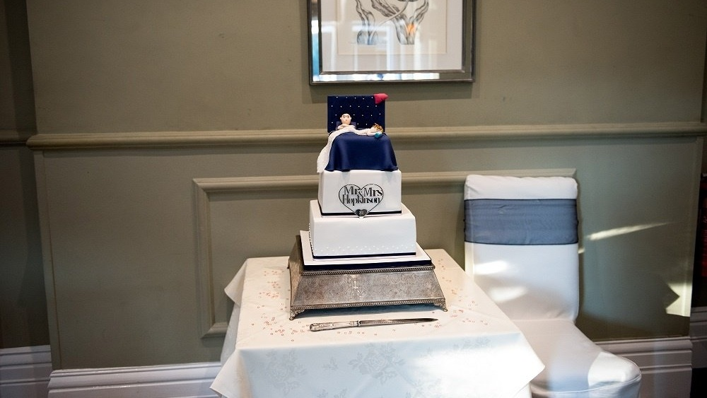 Sharron and Geoff cake-286856-edited